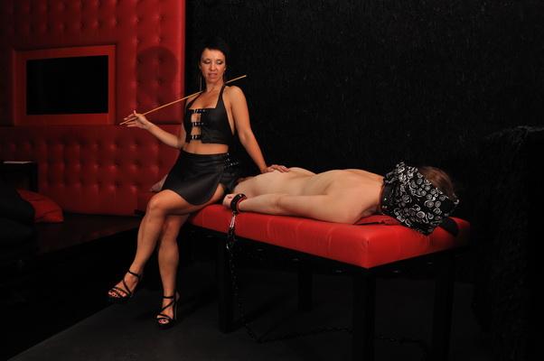 badoo dating submissive escort prague